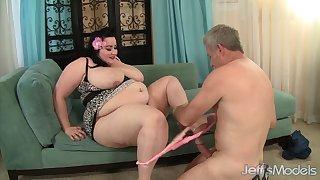 SBBW gets it on - big beautiful woman porn clip