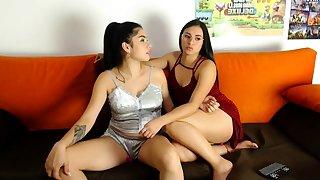 Latin woman has very nice body live porn webcam