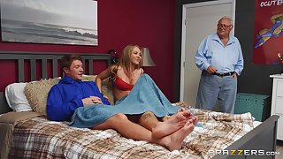 GF Jeanie Marie Sullivan losses in a game and must blow her BF