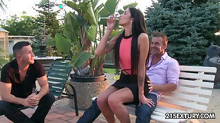 Sizzling model Loren Minardi gets double penetrated for get under one's principal time