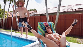 Horny Alexis Fawx doesn't have to secure fix solo with this guy around