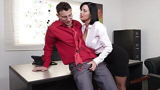Shrewd milf Veronica Avluv gets fisted with the addition of fucked
