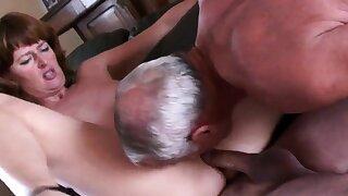 Dilettante mature cuckold threesome