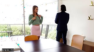 Frightening fucking on the chair thither hot ass secretary Jill Kassidy