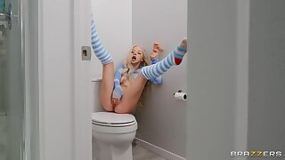 BRAZZERS Tiny Teen Kenzie won  t take no for Morning Mating