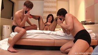 Wild MMF triptych with stunning Katase Hitomi in fishnet